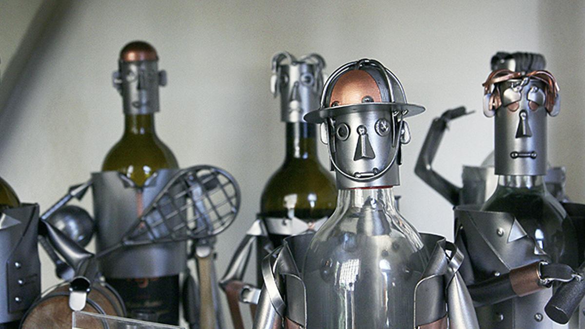人工知能「私は神だ」、AI(人工知能)が神様になる日々のイメージ