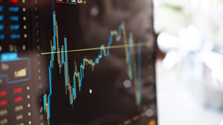 個人投資家でもAIによって株価予測を行うようになってきている