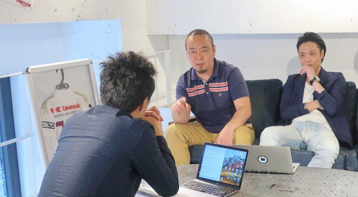 マイクロチップの入れ替えについて話す森田さん