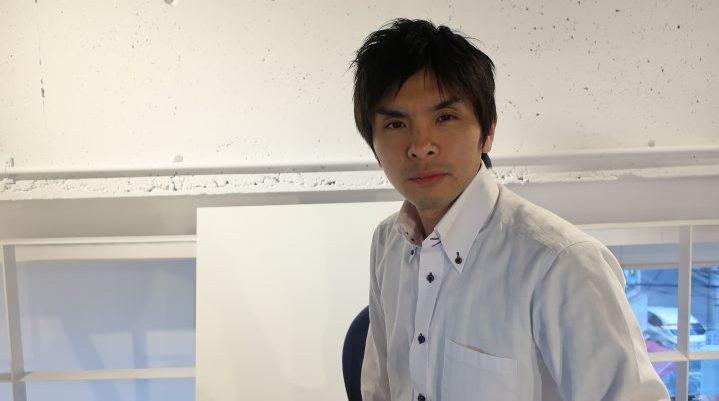 和泉さんの真面目な顔の写真
