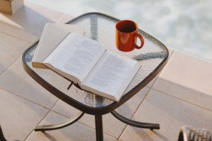 本を読むイメージ