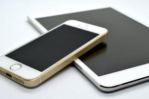 AI(人工知能)でiPhone(iOS)アプリはここまで変わる!AI活用事例7選