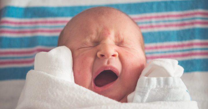 赤ちゃんが泣くイメージ