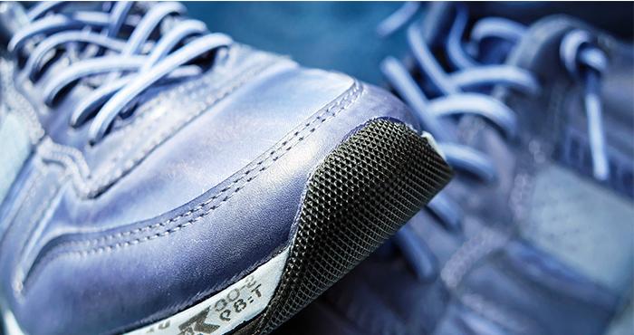 AIは靴だけでなく、正しい歩き方や走り方も教えてくれるイメージ