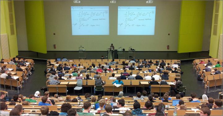 講義形式のイメージ