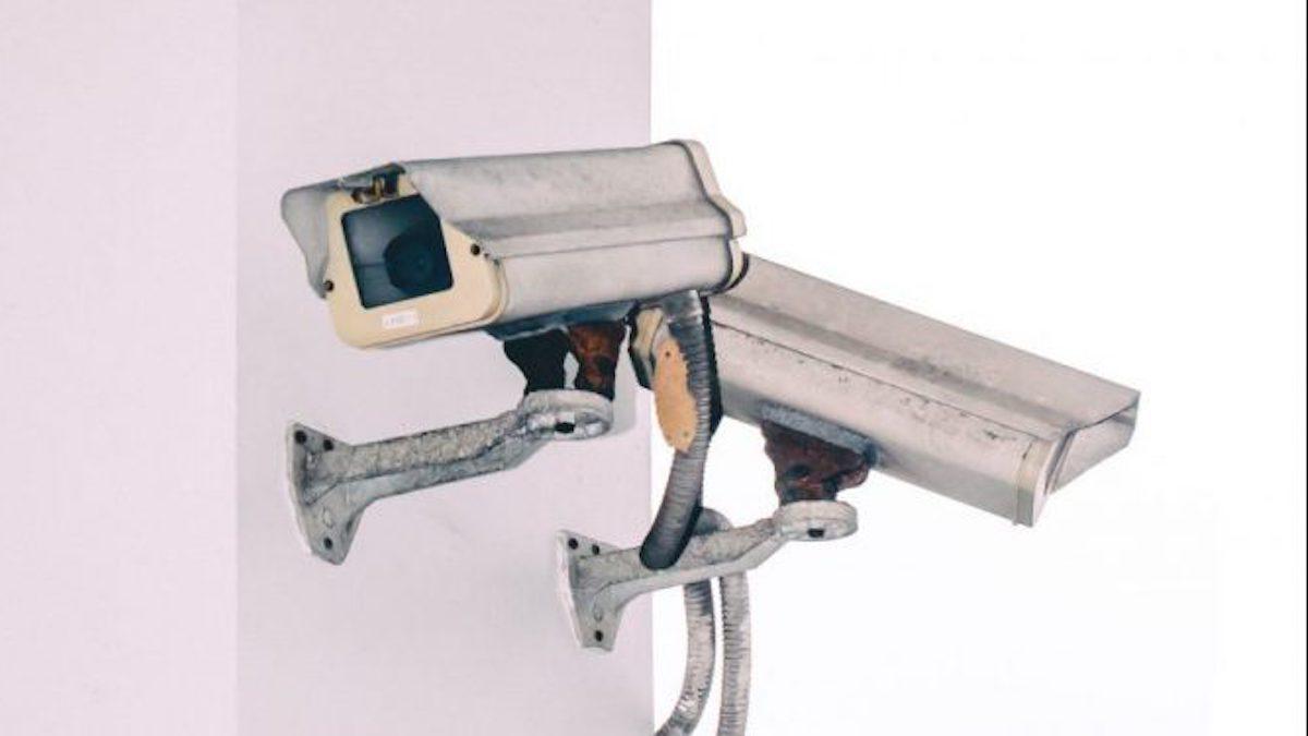 AIが犯人の顔を識別!未来予測もする驚きの防犯カメラとは
