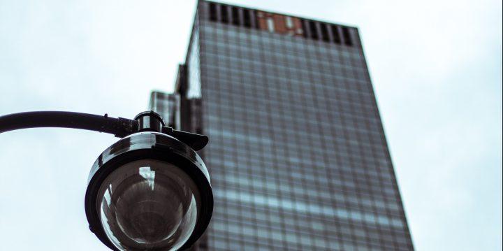 ビルの防犯カメラ