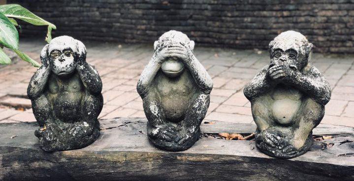 聞か猿、見猿、言わ猿のイメージ