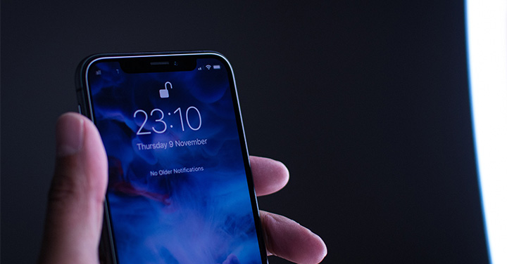 画像生成技術を使ったiPhoneXのイメージ