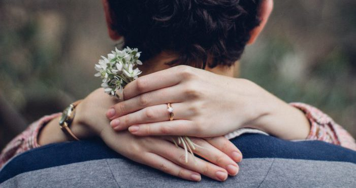 結婚を連想させるようなイメージ