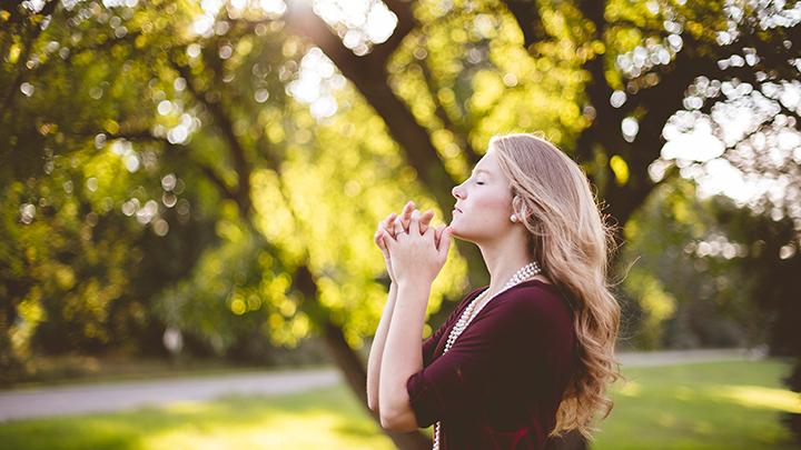 祈りのイメージ