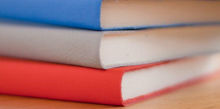 積んだ本で学習