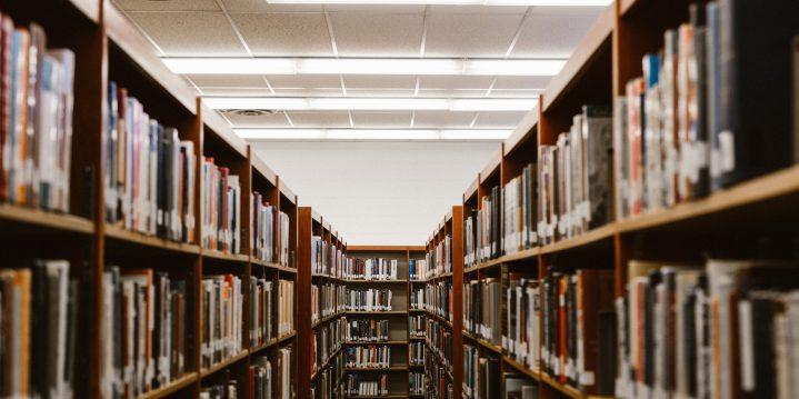 書棚で学習