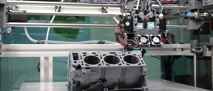 作業中の産業用ロボットのイメージ