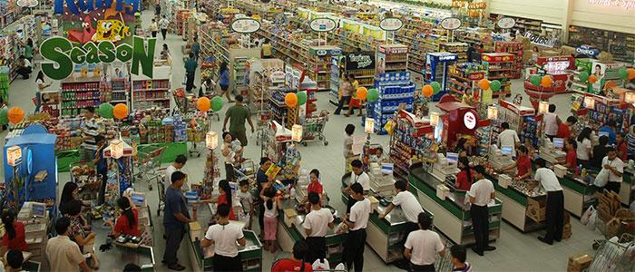 スーパーの従業員のイメージ
