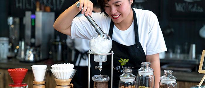 カフェの店員のイメージ