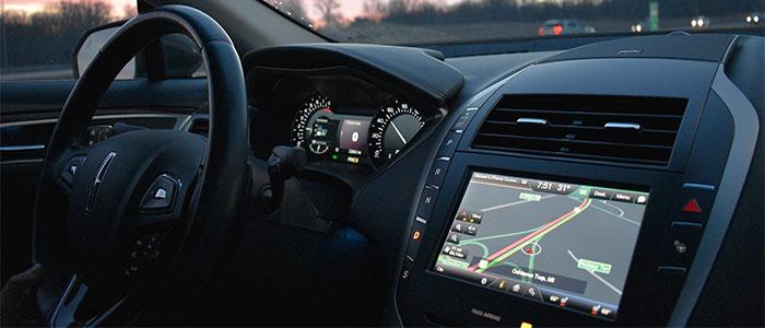 自動運転やカーナビのイメージ