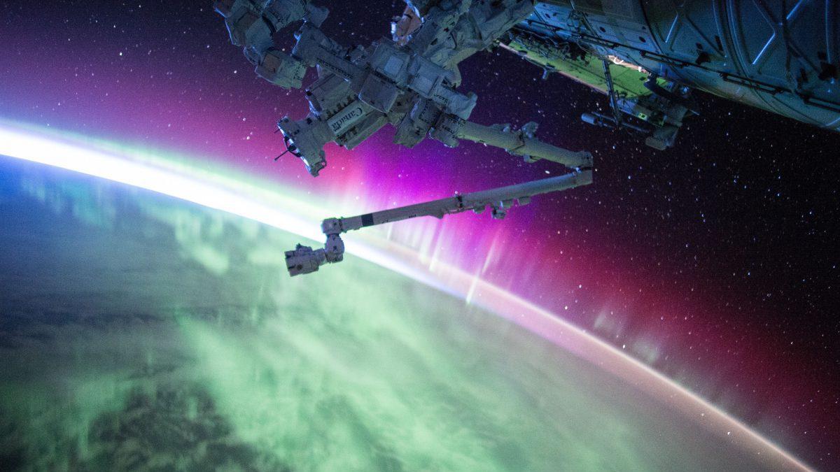 宇宙ステーションから