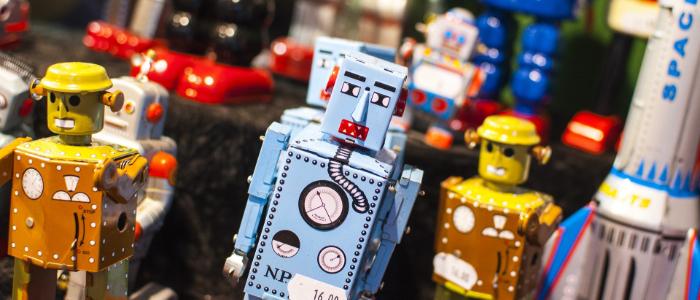 おもちゃロボットたくさん