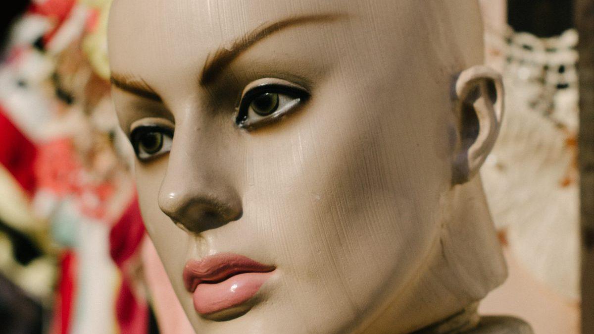 人工知能の顔1