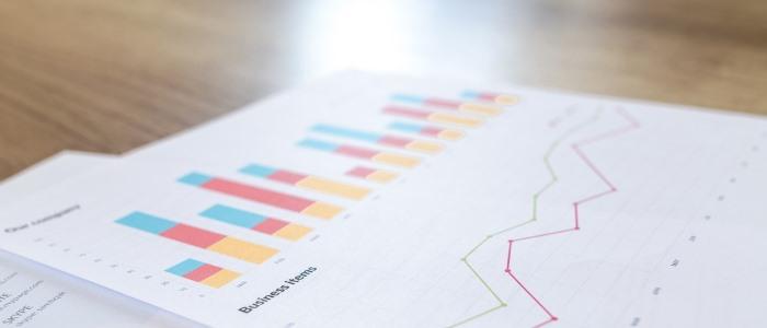 紙に印刷した株価のイメージ