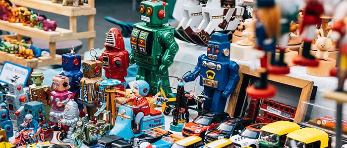 様々なロボットのイメージ