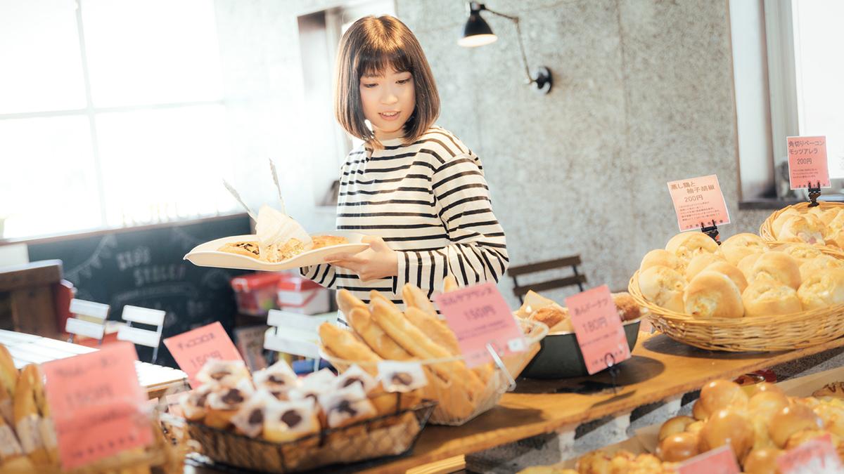 日本発の世界初!AI搭載コンピュータがパン屋を大改革したって!