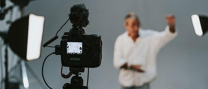 動画を撮るイメージ