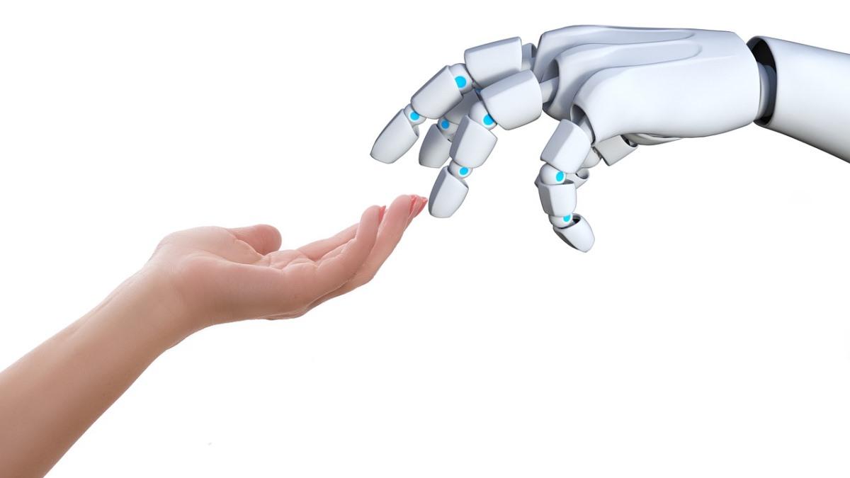 なにこれ本物みたい・・・!人型ロボット「Walker」最新版がすごい