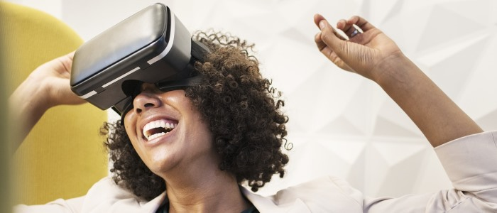 VRを楽しむイメージ