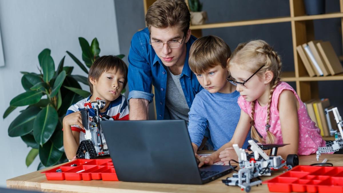 大人がやっても面白ッw自宅でできるロボットプログラミング実践キット