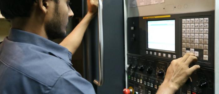 職人的な業務があり社内で技術継承されていない