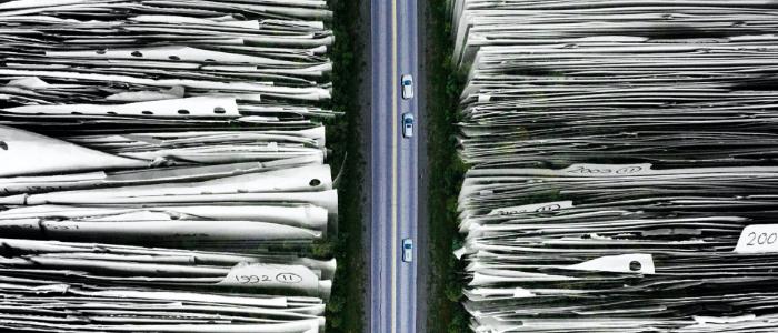 マニュアルや大量の書類管理が追いつかず情報検索が大変