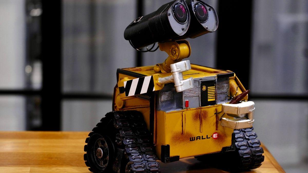 1万円札で買えるお財布に優しいお手頃プログラミングロボット5選!