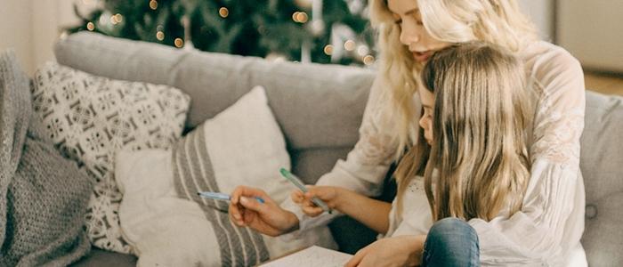 親子で勉強するイメージ