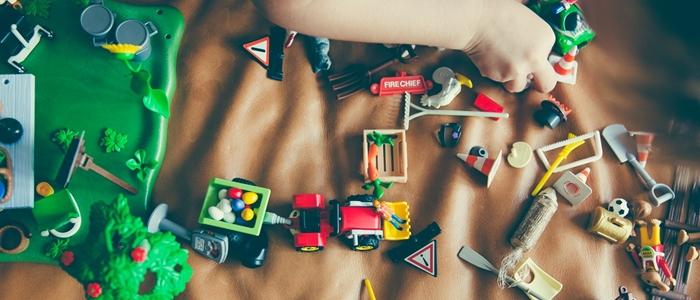 たくさんのおもちゃのイメージ