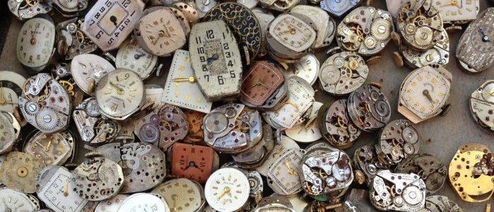 たくさんの時計のイメージ