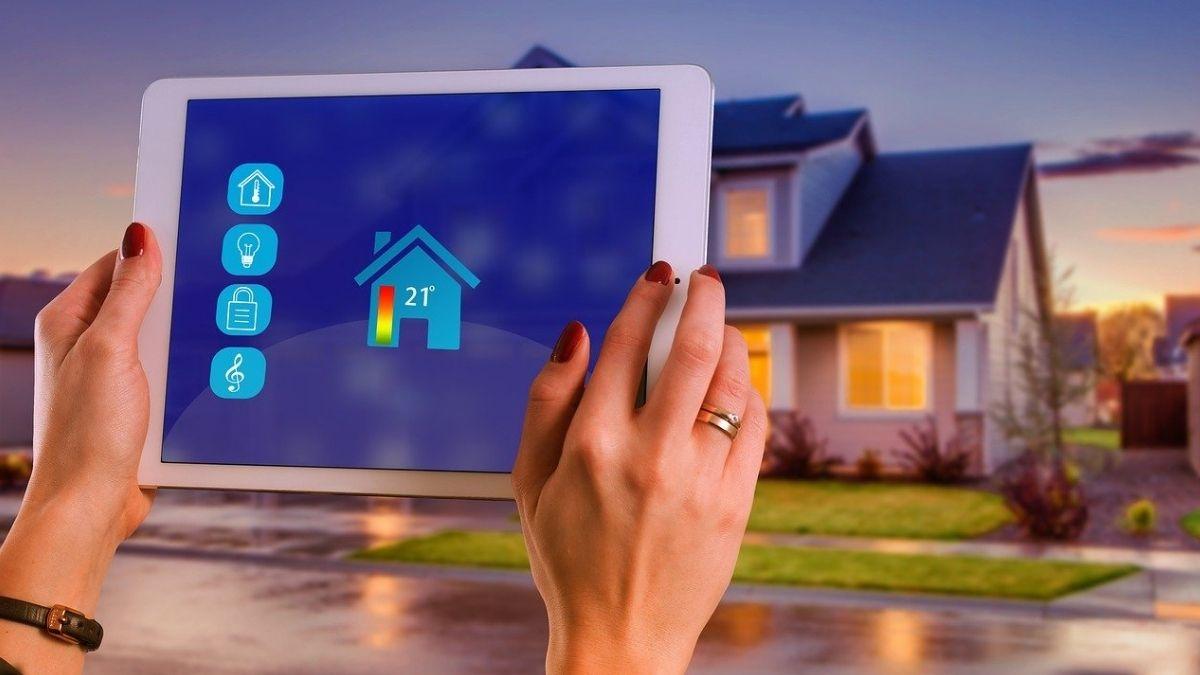 これからの住まいの新しい形になる?「IoT住宅」とは何かを解説