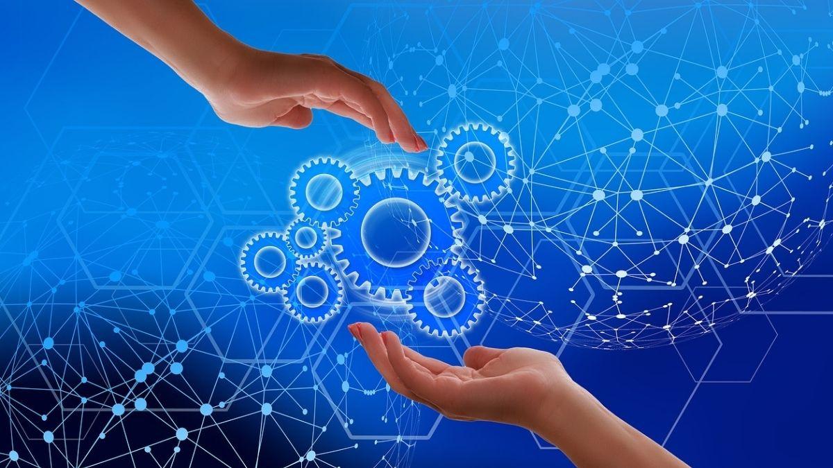 今、企業にDX(デジタルトランスフォーメーション)を導入するべき理由とは