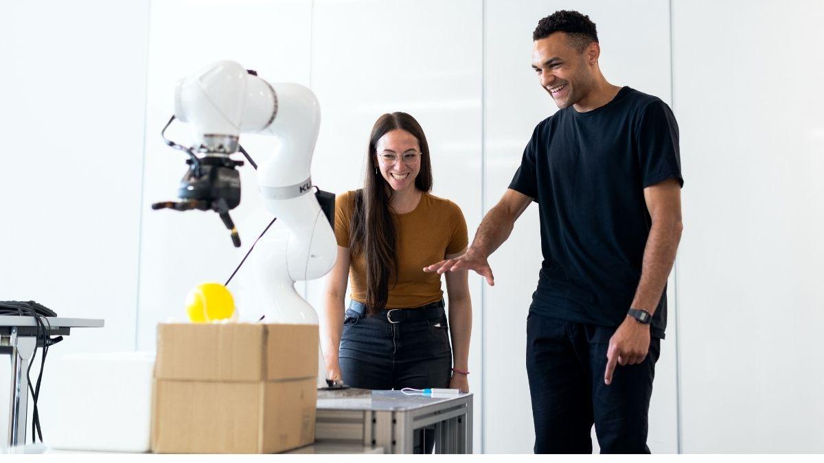 人×ロボットでDXにつなげる!協働ロボットが活躍した事例まとめ